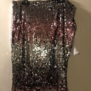 Sequins in the front and back! Pencil skirt!